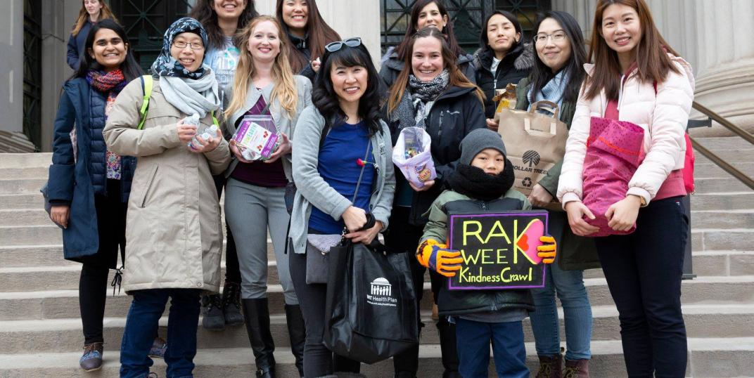 Members of MIT Spouses and Partners Connect spread cheer during their RAK Week Kindness Crawl.